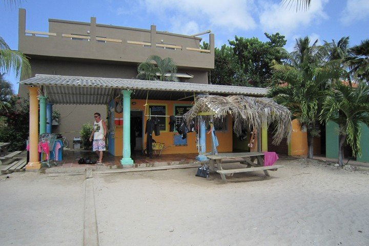 Duikvakantie dive hut bonaire dive and travel - The dive hut bonaire ...