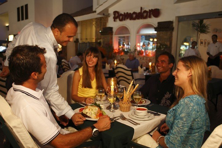 Camel Dive Club restaurant Pomodore