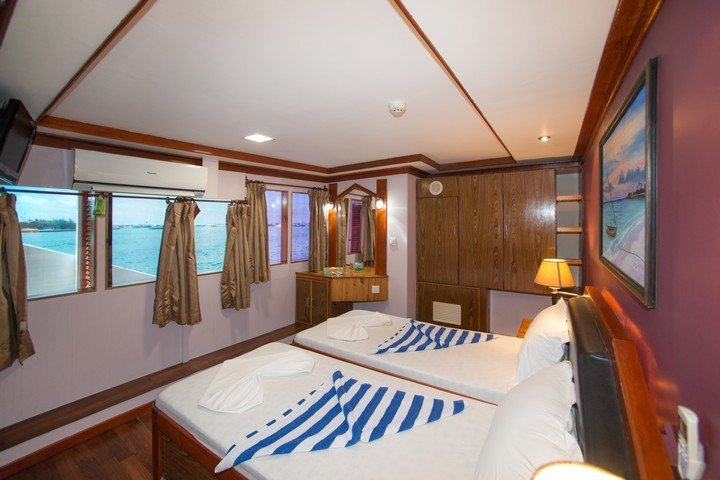 emperor orion twin cabin with windows 3.jpg