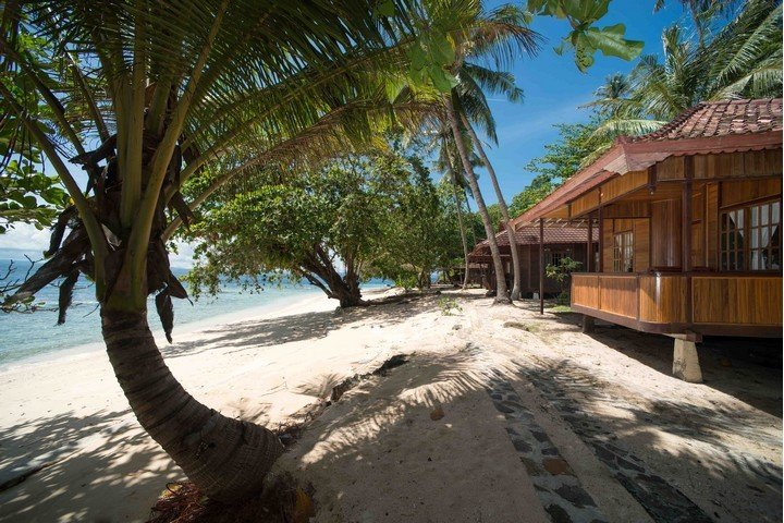 Murex Banga island resort cottages