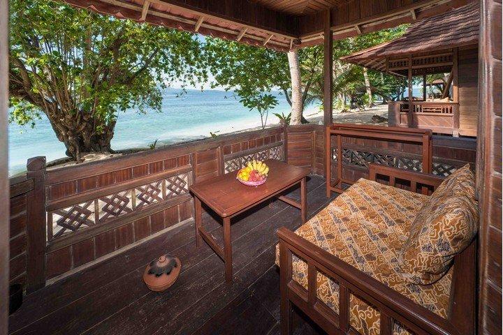 Murex Banga island resort balkon
