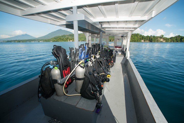 Lembeh Dive Resort-Dive and Travel