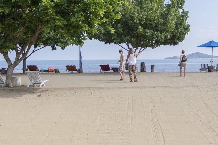 Puri Sari Hotel strand