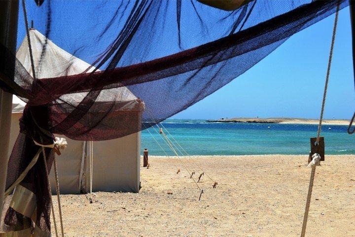 Marsa Nakari - uitzicht vanuit de Royal Tent