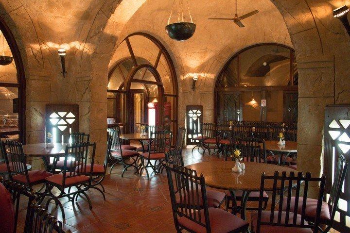 Marsa Nakari - Binnenkant restaurant