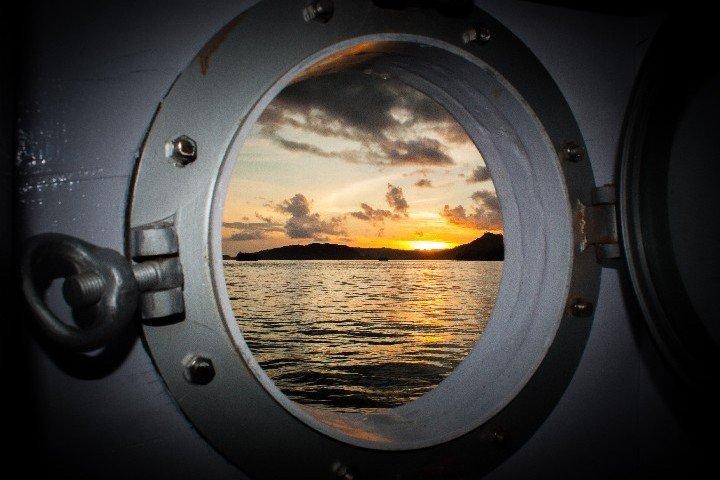 Akomo Isseki Live Aboard patrijspoort - Dive and Travel