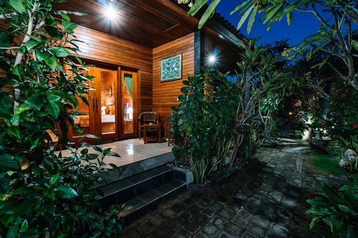 DnB Bungalows Nusa Lembongan - Dive and Travel