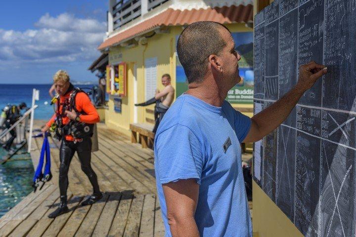 Bootlijst Buddy Dive Resort