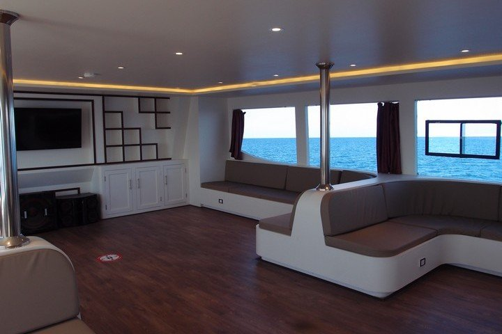 Lounge Big Blue Liveaboard