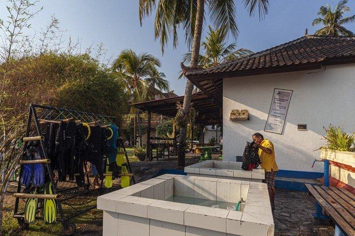 Puri Bagus Candidasa spoelbakken bij duikcentrum Orca Dive Club