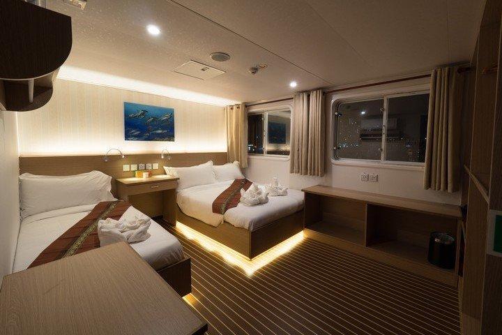 White Manta liveaboard- upper deck cabin