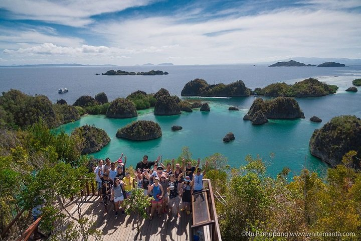 White Manta Cruises - Dive and Travel