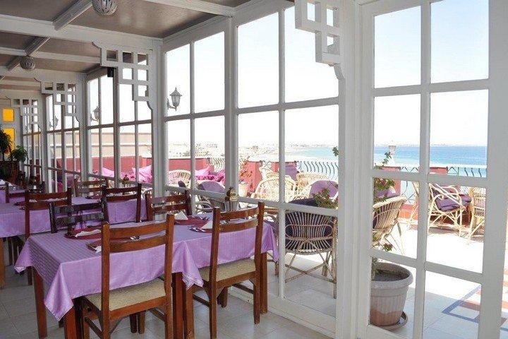 Nemo Hotel - Restaurant met dakterras