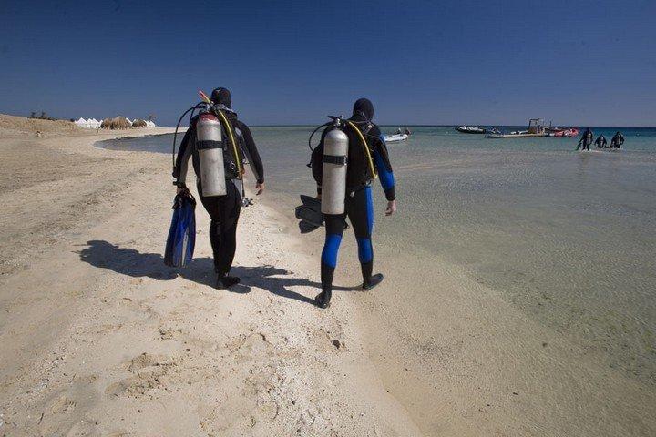 Nakari Diving - Duikers