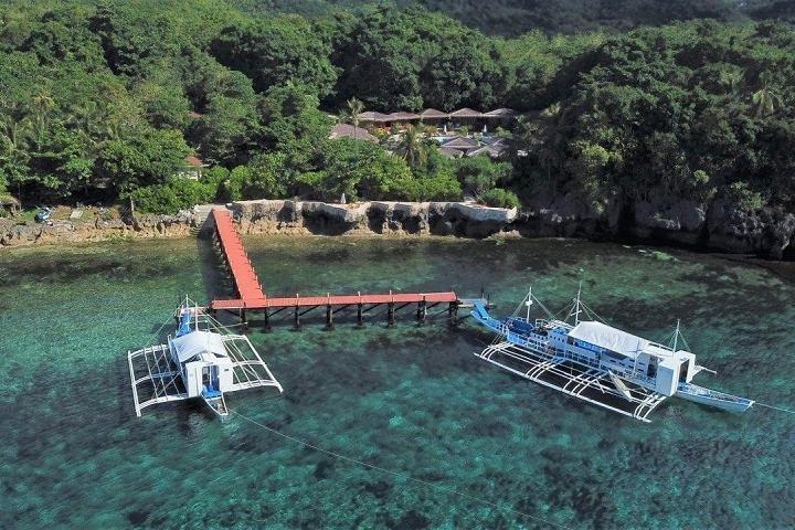Pier Magic Oceans Dive Resort