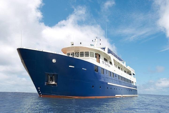 Blue Manta Liveaboard - open zee